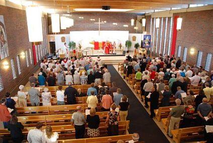 web-pic-church-pews